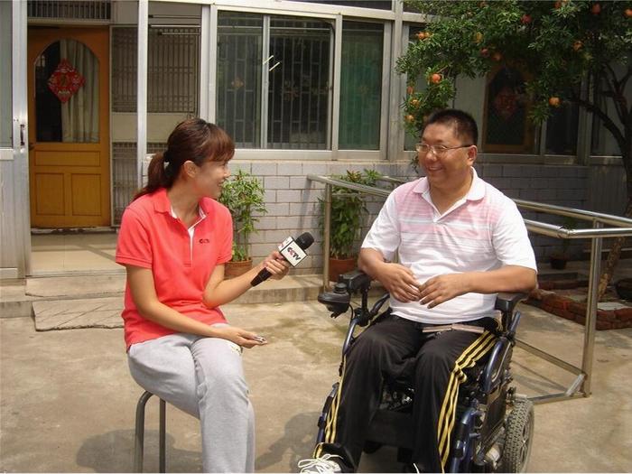 孟宏伟经理接受央视采访